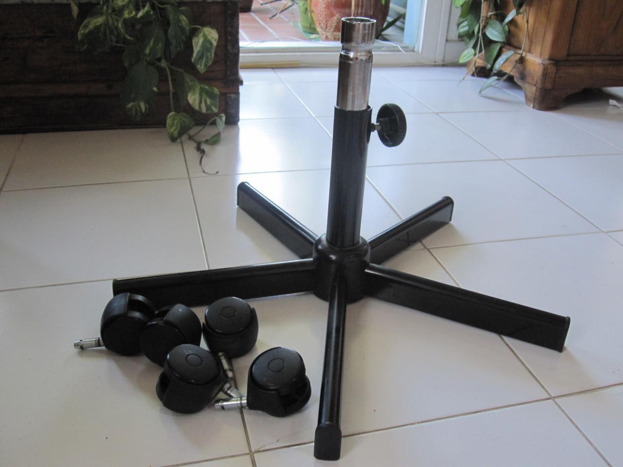 comment d monter les roulettes d 39 un fauteuil de bureau. Black Bedroom Furniture Sets. Home Design Ideas
