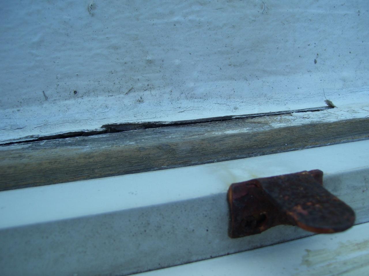 peut on coller une plaque de ba13 sur un mur en brique