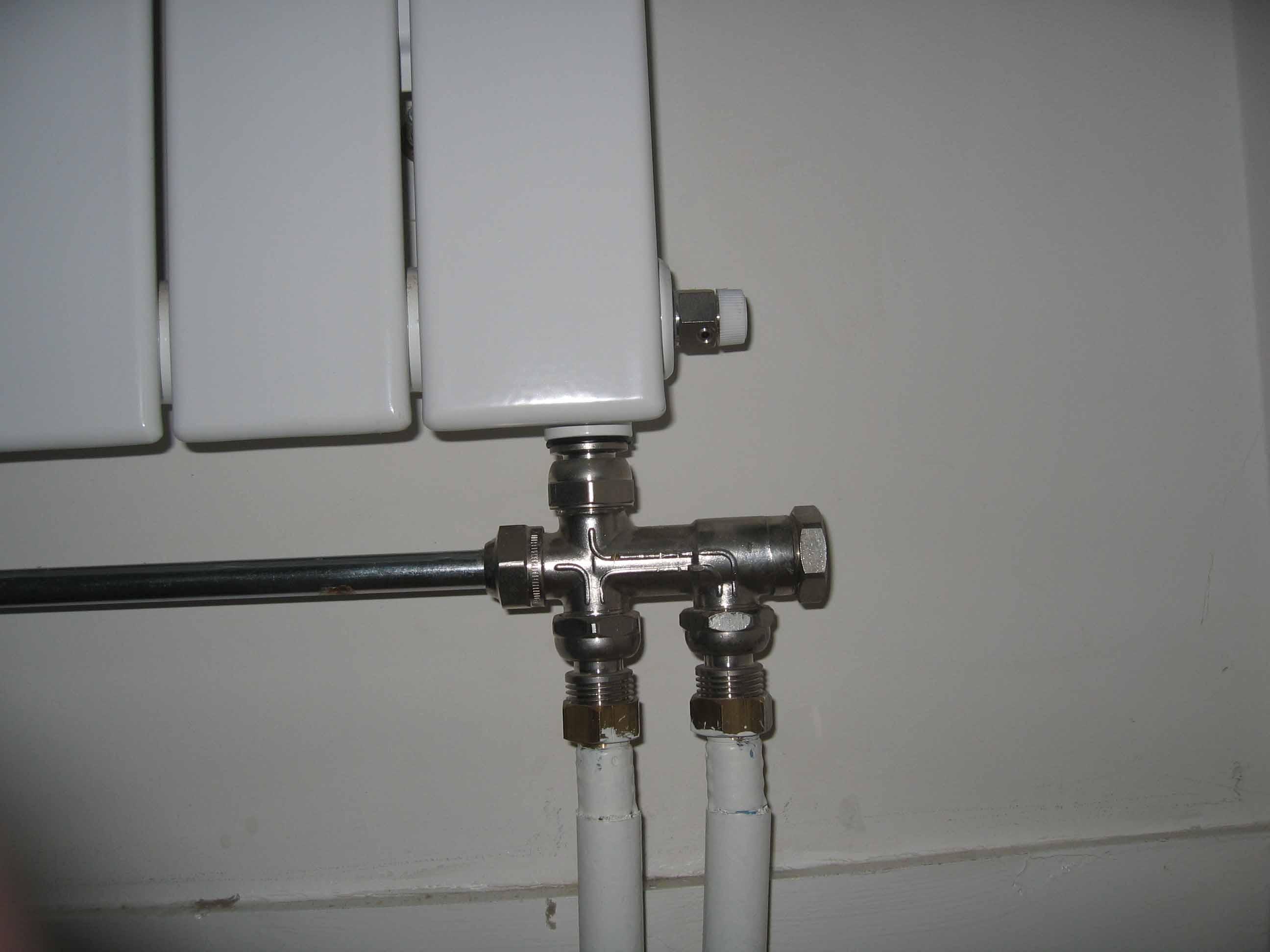 Raccordement de radiateur monotube for Changer robinet thermostatique radiateur