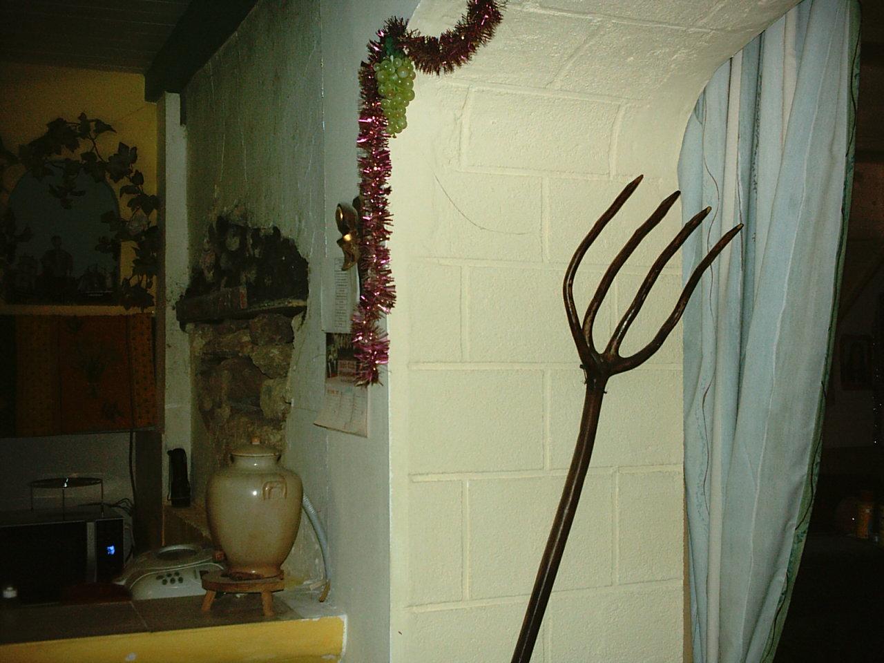 demonter une partie d 39 un mur en moellon et couler un linteau. Black Bedroom Furniture Sets. Home Design Ideas