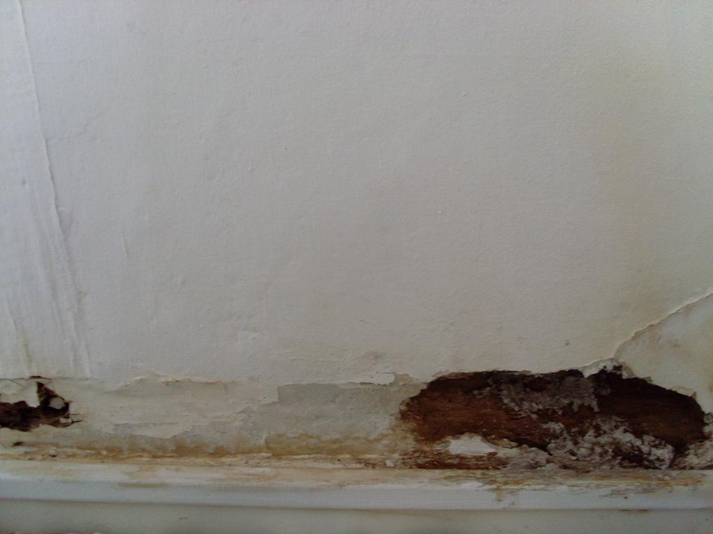 Un trou dans le mur for Reboucher un trou dans un mur
