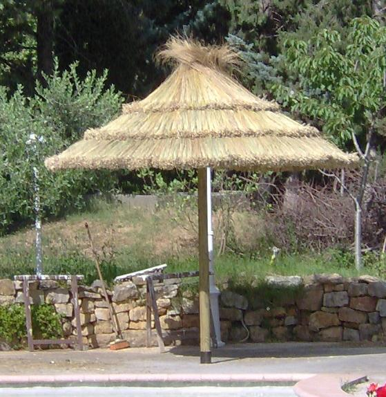r alistion d 39 un parasol paillote. Black Bedroom Furniture Sets. Home Design Ideas