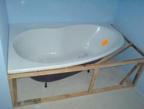 Carrelage autour d 39 une baignoire - Comment carreler autour d une baignoire ...