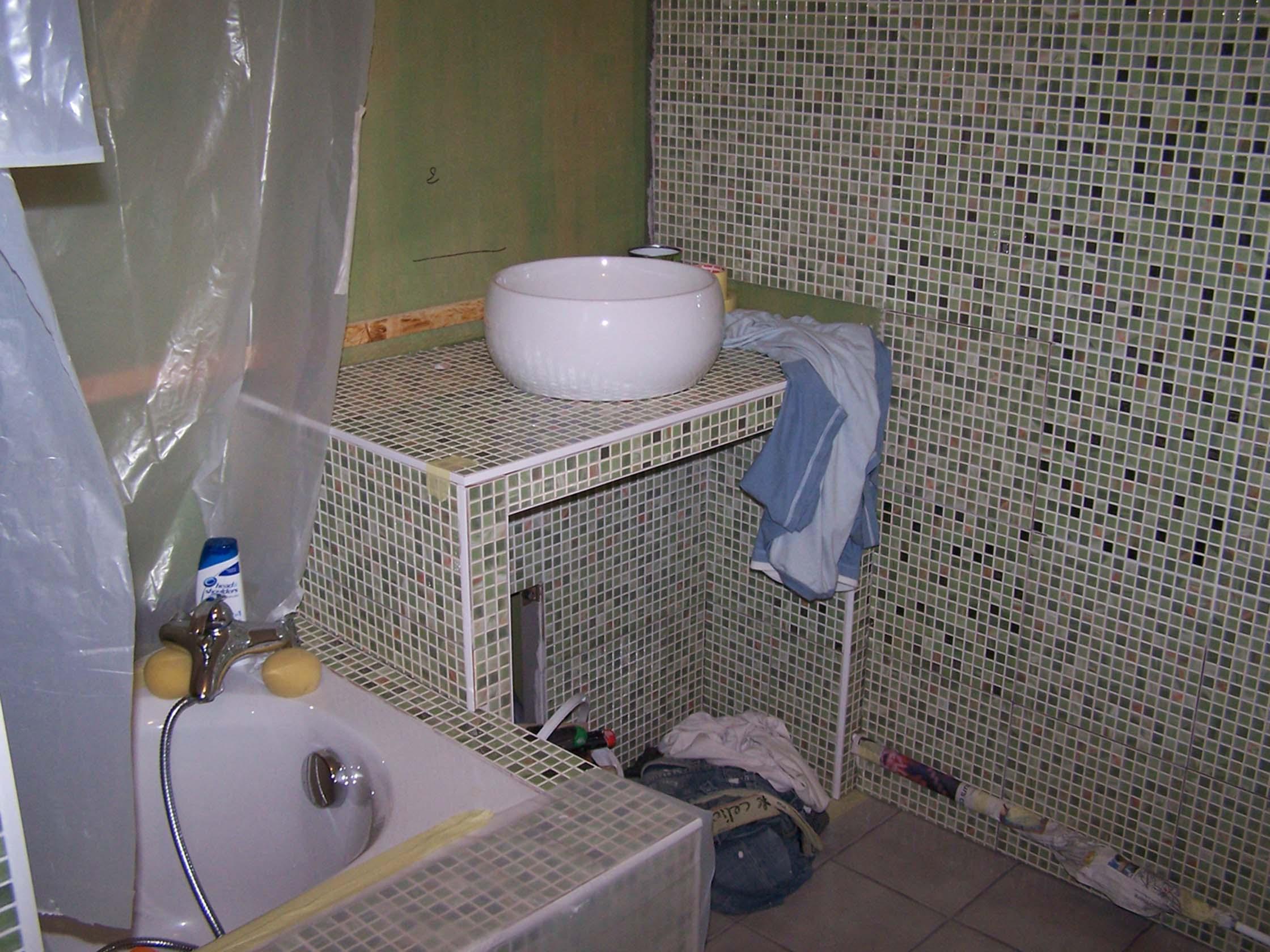 coller une vasque sur de la faience