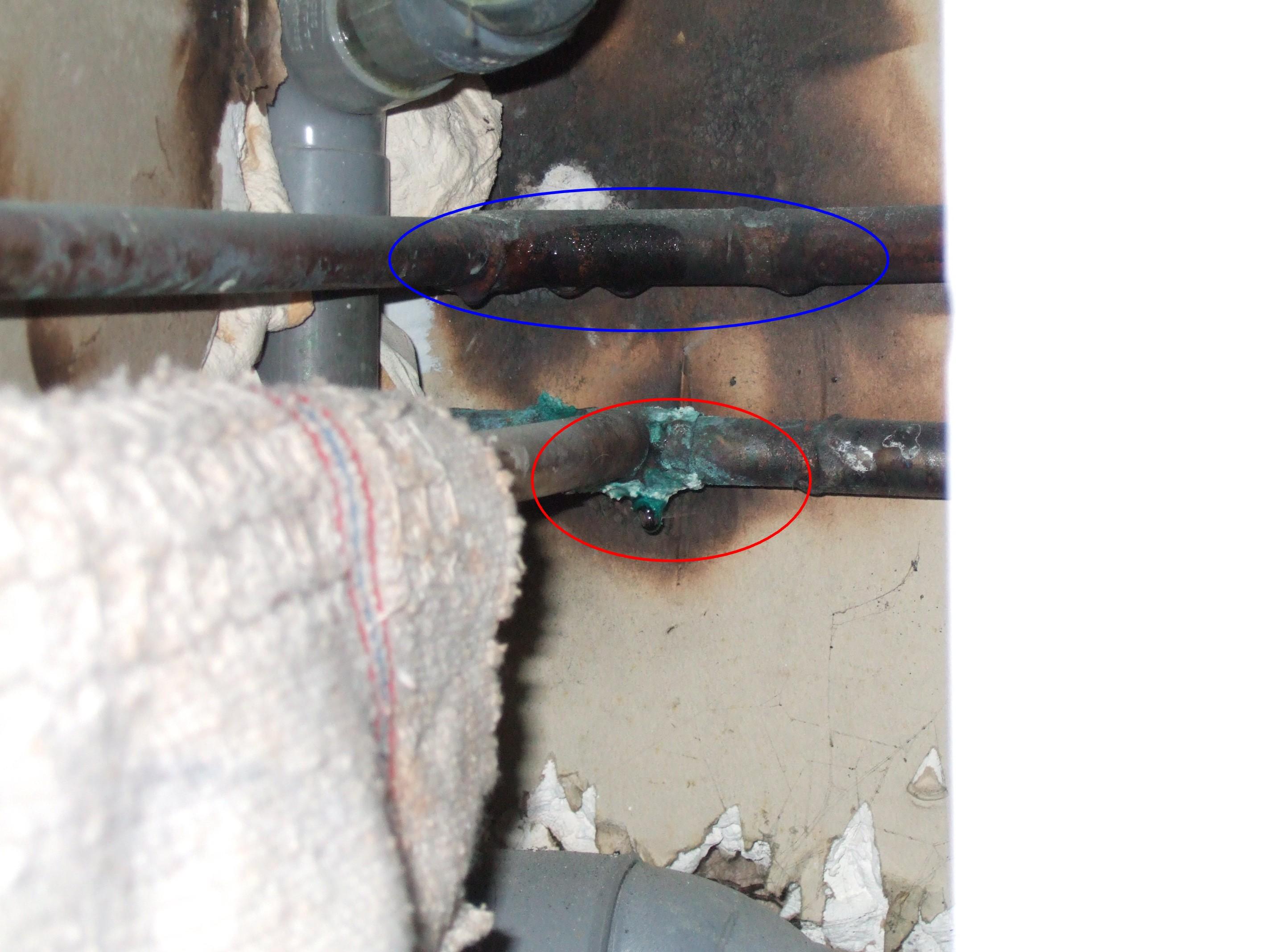 Fuite sur canalisation - Fuite d eau tuyau cuivre ...