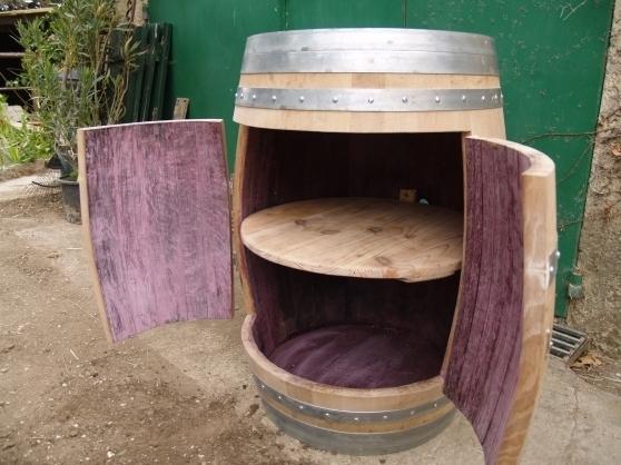 un f t de vin. Black Bedroom Furniture Sets. Home Design Ideas