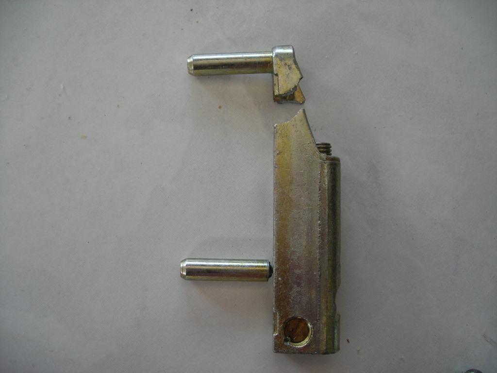 Remplacement d 39 une paumelle - Remplacement vitre porte fenetre ...