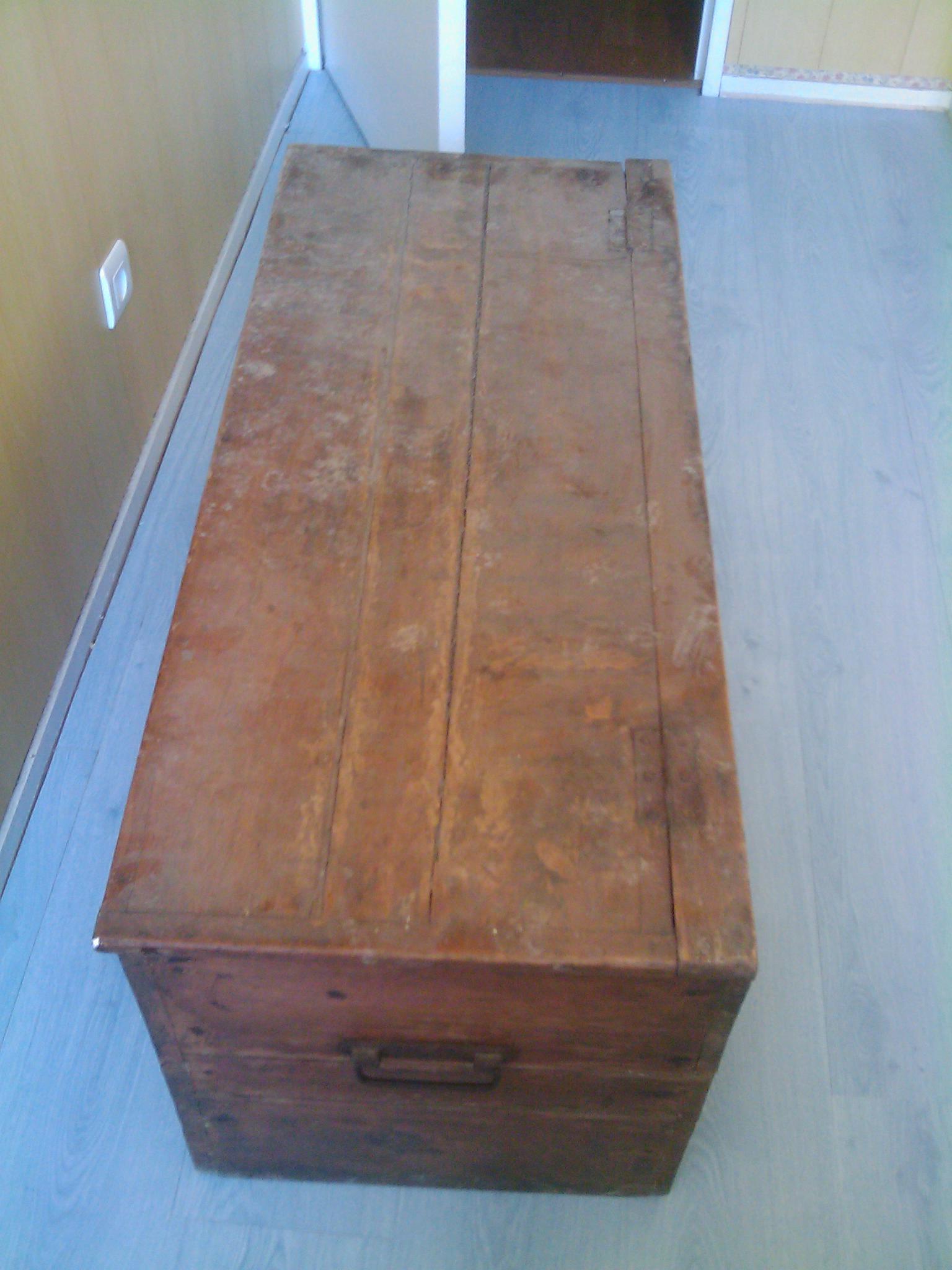 restaurer un coffre en bois. Black Bedroom Furniture Sets. Home Design Ideas