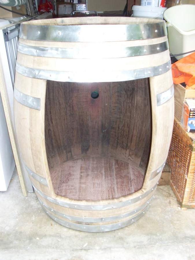 Bar dans une barrique - Couper un tonneau en deux ...