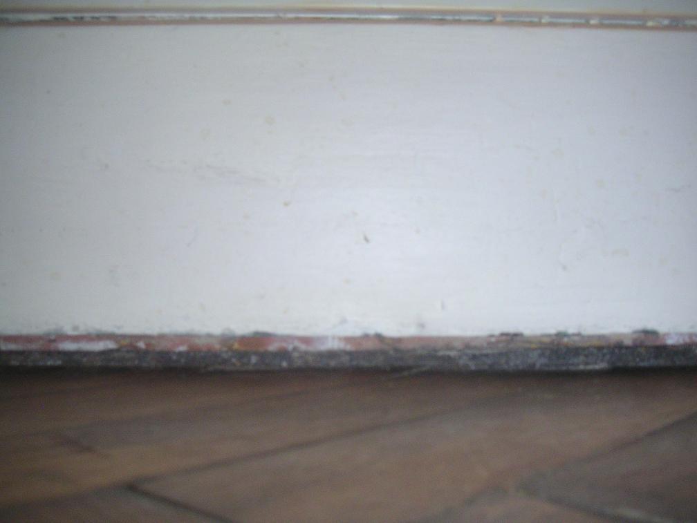 combler espace entre plancher et plinthe. Black Bedroom Furniture Sets. Home Design Ideas