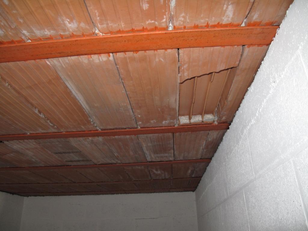 pose placo plafond sur hourdis brique