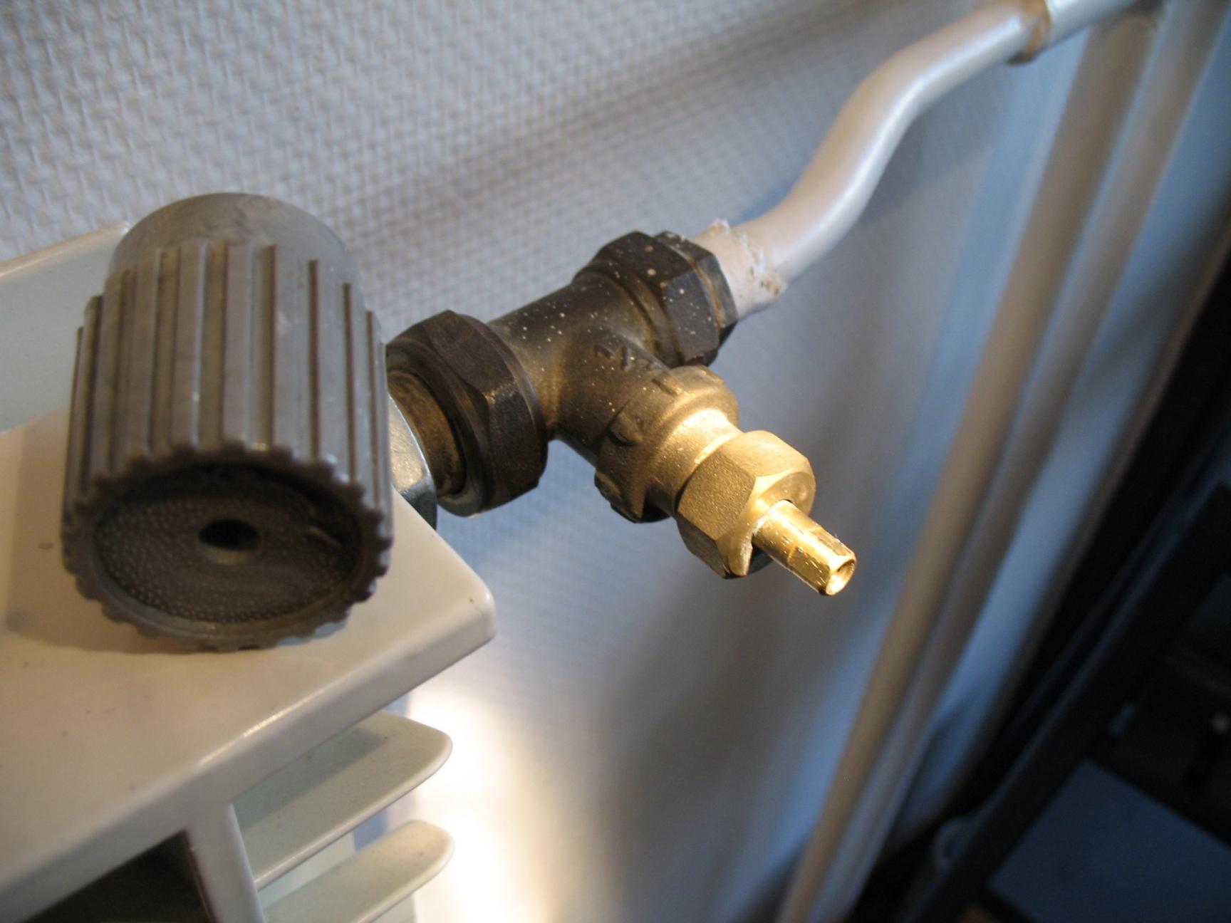images jointes - Robinet Thermostatique Radiateur Fonte