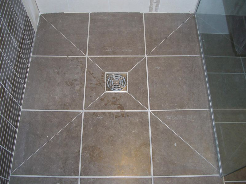 Douche a l italienne for Pose carrelage sol douche italienne