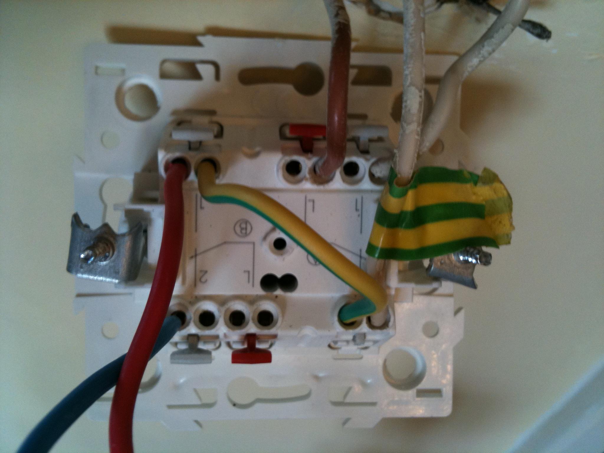 Branchement double interrupteur for Comment changer un interrupteur