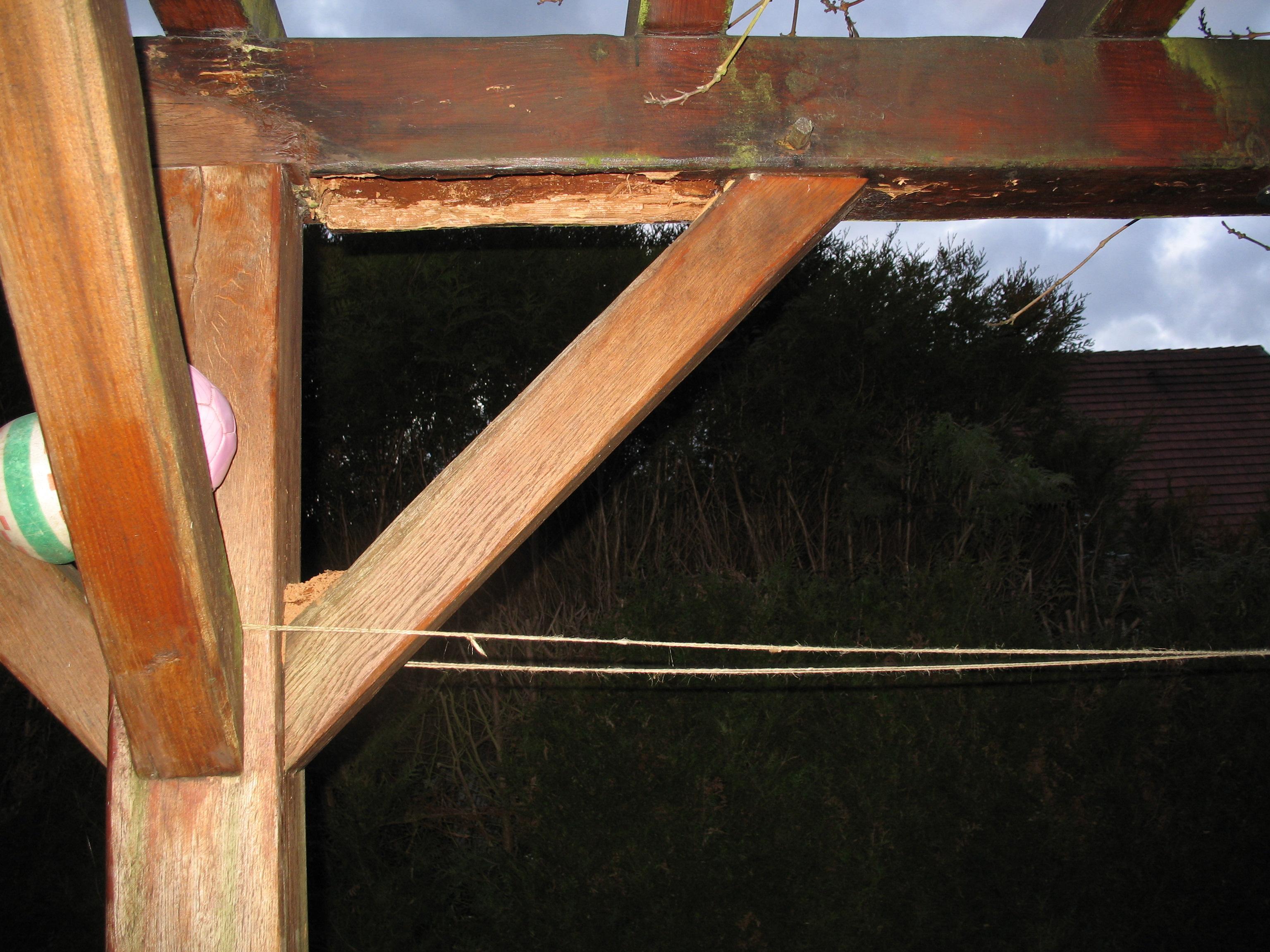 R parer pergola en bois for Reparer fenetre en bois