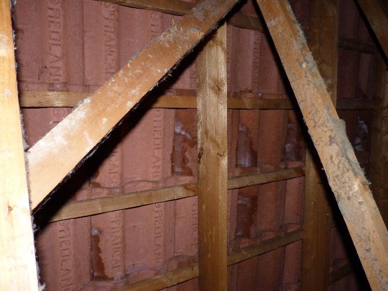 Tuiles b ton poreuses for Tuile faitiere beton