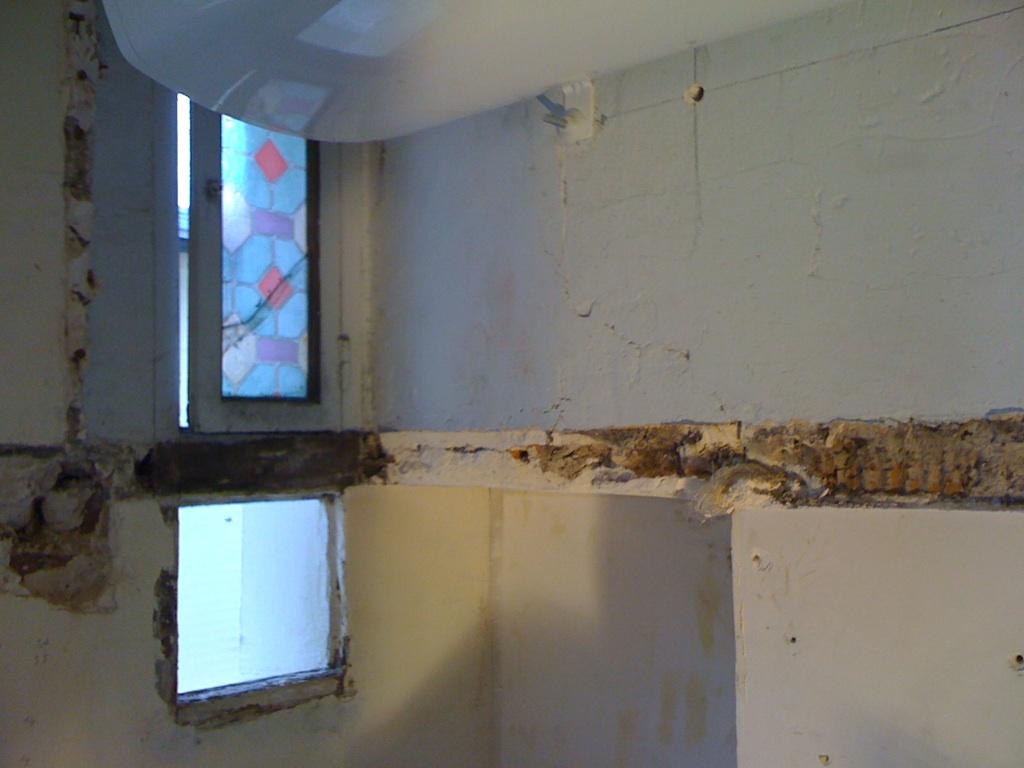 ba13 sur un mur de salle de bains. Black Bedroom Furniture Sets. Home Design Ideas
