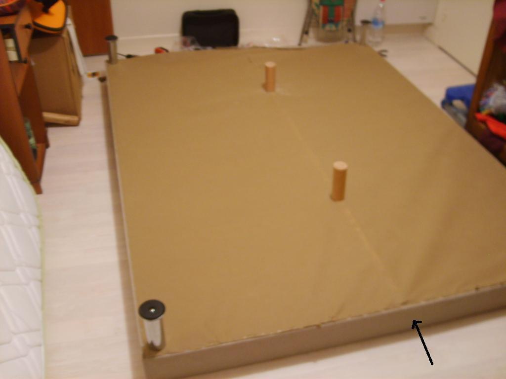 sommier en bois. Black Bedroom Furniture Sets. Home Design Ideas