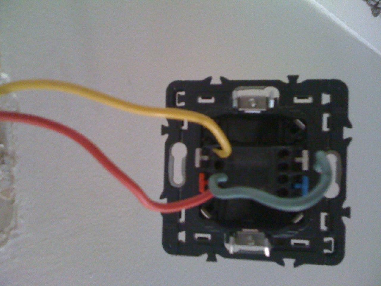 Branchement interrupteur legrand for Interrupteur exterieur legrand