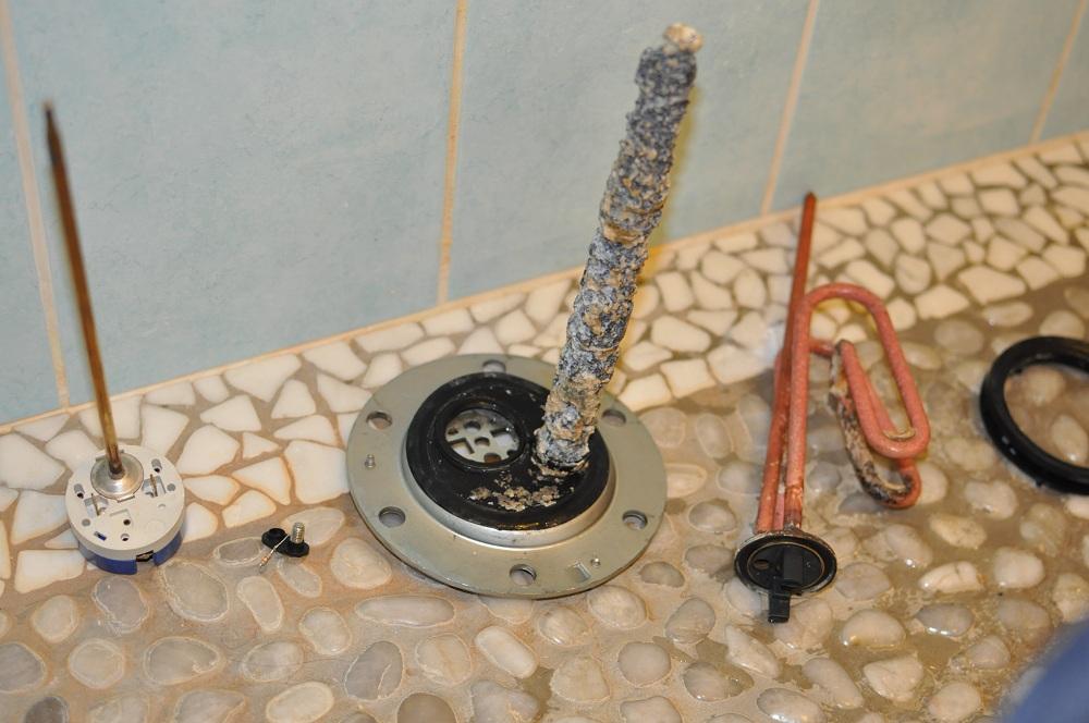 Help urgent chauffe eau fait disjoncter mon differentiel - Tester resistance chauffe eau ...