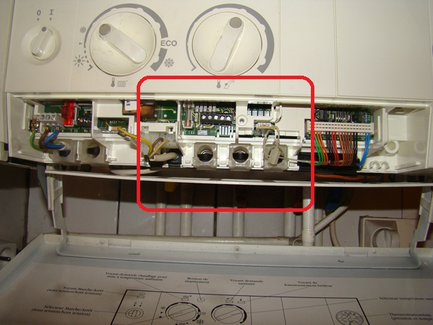 Ou connecter un thermostat sur une chaudi re murale elm for Elm leblanc megalia 400