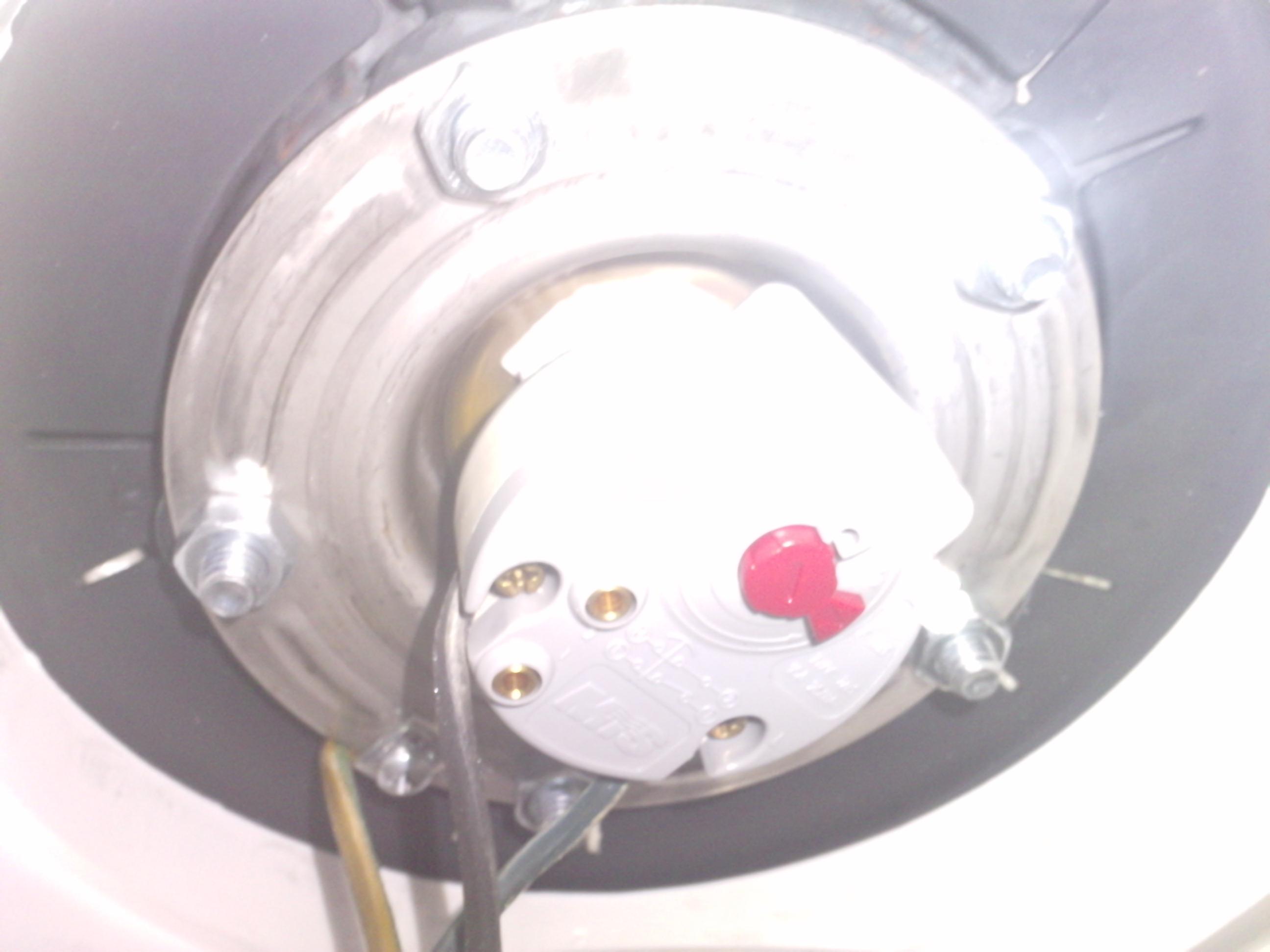 Probl me de ballon d 39 eau chaude for Probleme thermostat chauffe eau