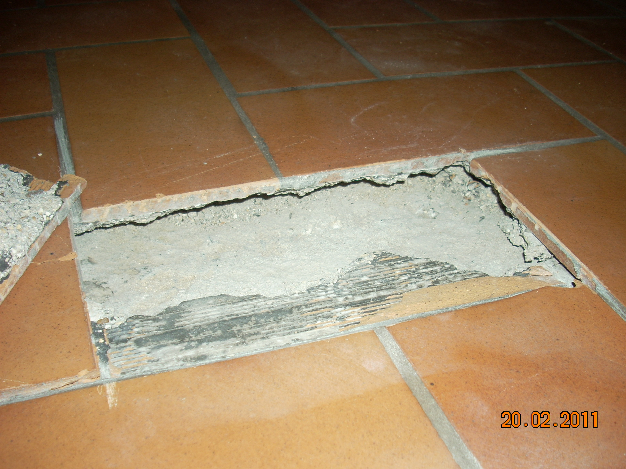 Carrelage qui fissure for Carrelage qui colle