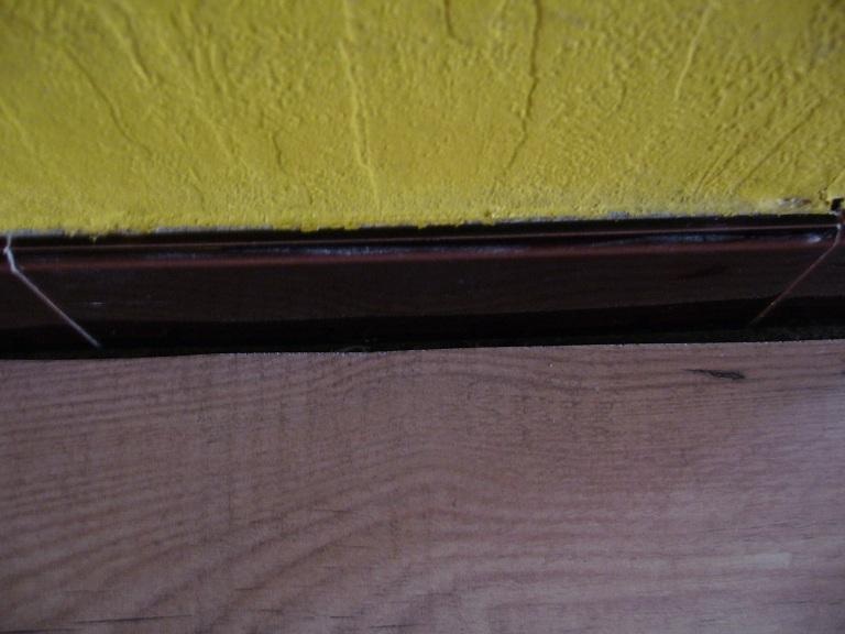 mettre du parquet poser un parquet flottant with mettre du parquet affordable poser la dernire. Black Bedroom Furniture Sets. Home Design Ideas