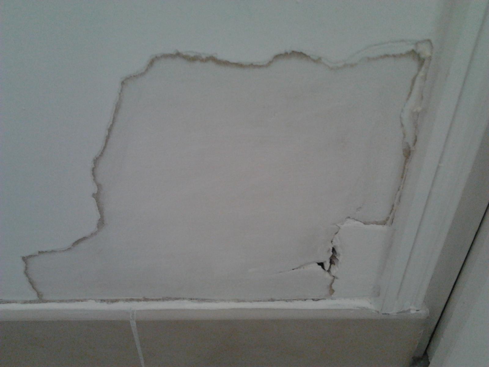 humidit dans mur en pl tre au niveau des plinthes. Black Bedroom Furniture Sets. Home Design Ideas