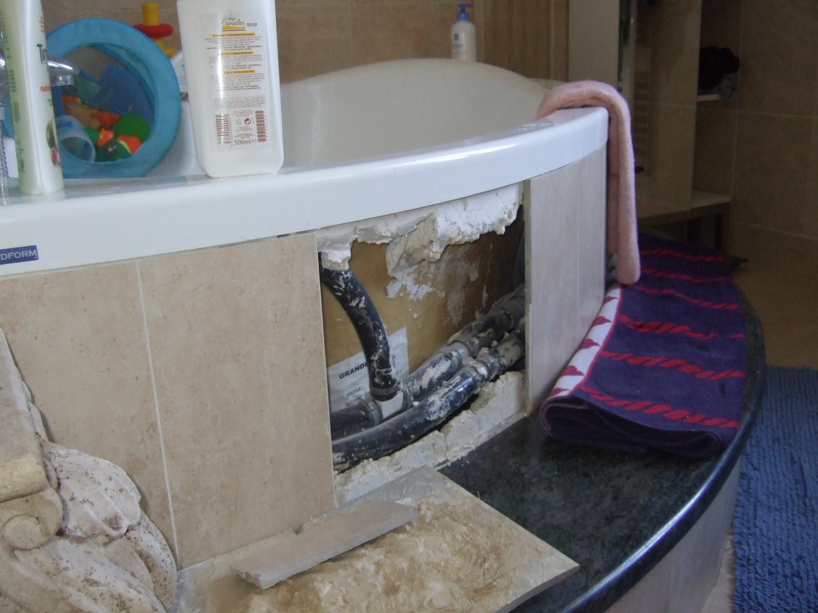 carelage de baignoire d 39 angle baln o. Black Bedroom Furniture Sets. Home Design Ideas