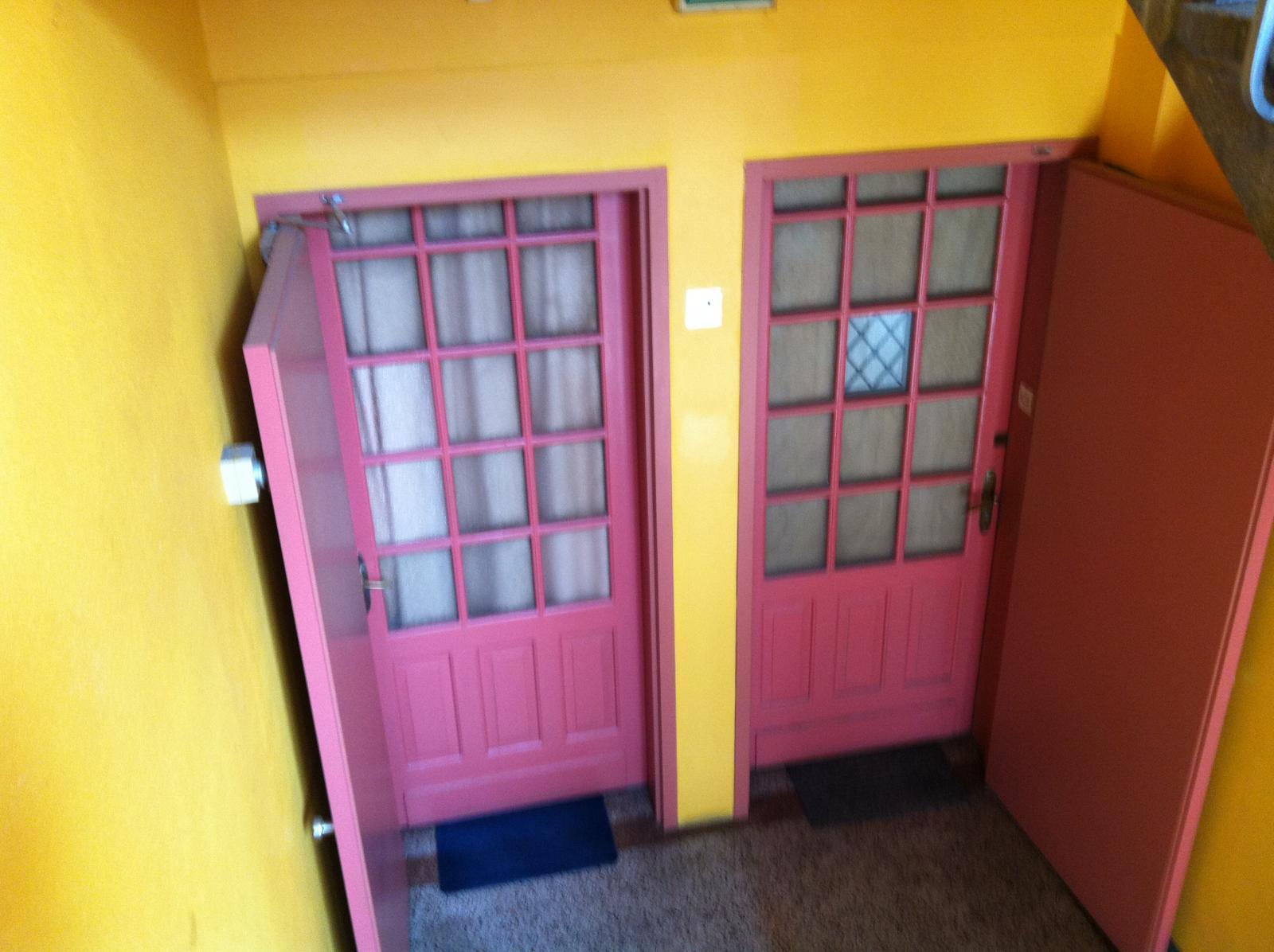 quel couleur pour ce couloir voir photo. Black Bedroom Furniture Sets. Home Design Ideas
