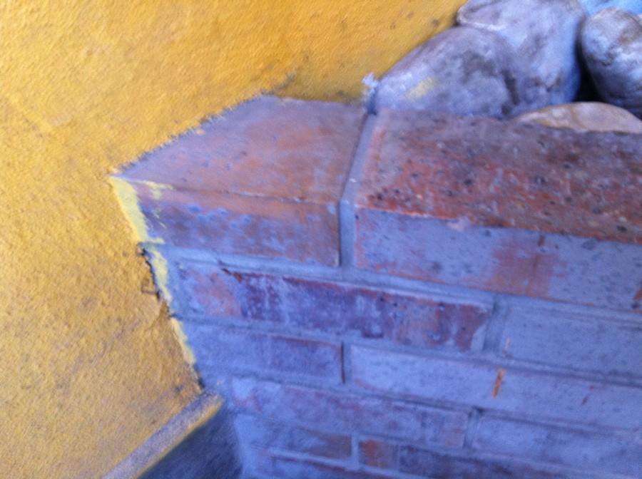 Casser le mur voir photos - Casser un mur en brique ...