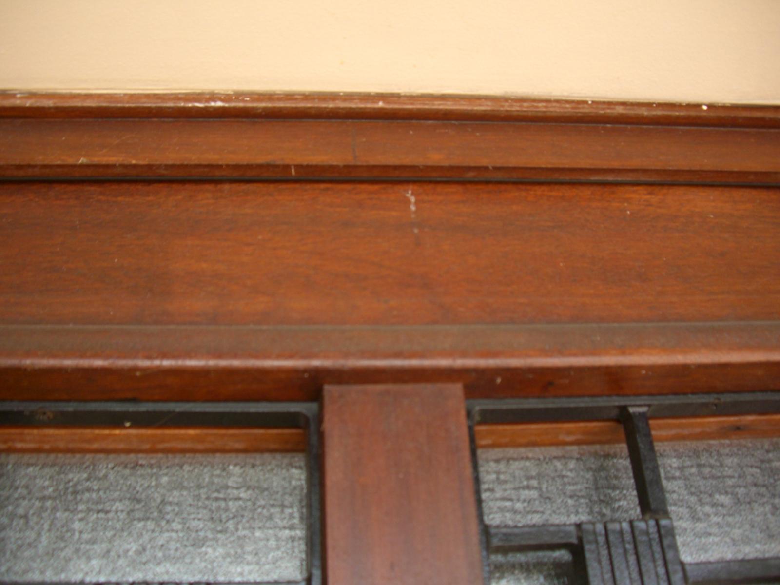 R nover une porte d 39 entr e en bois - Renover lambris bois ...