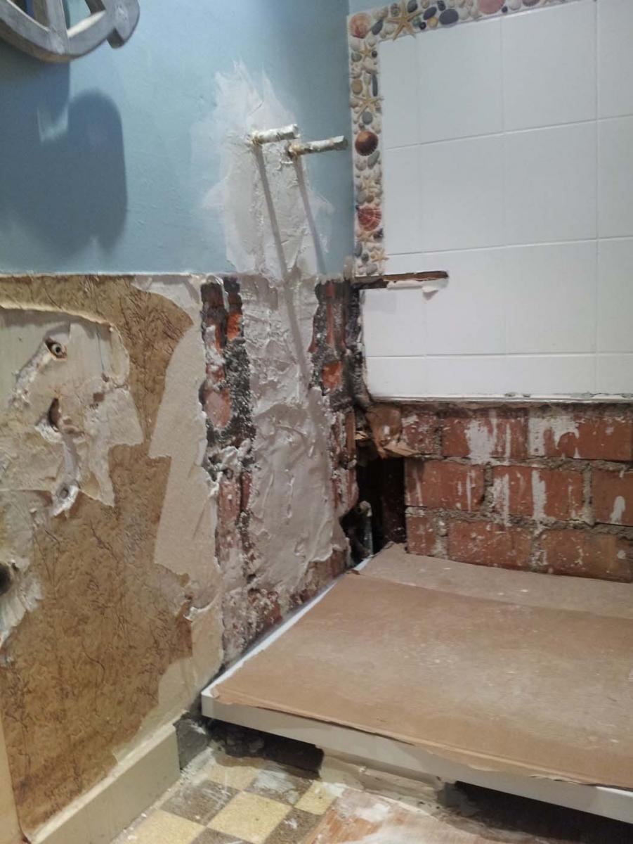 Mise niveau murs salle de bain avant carrelage for Pose de carrelage sur mur