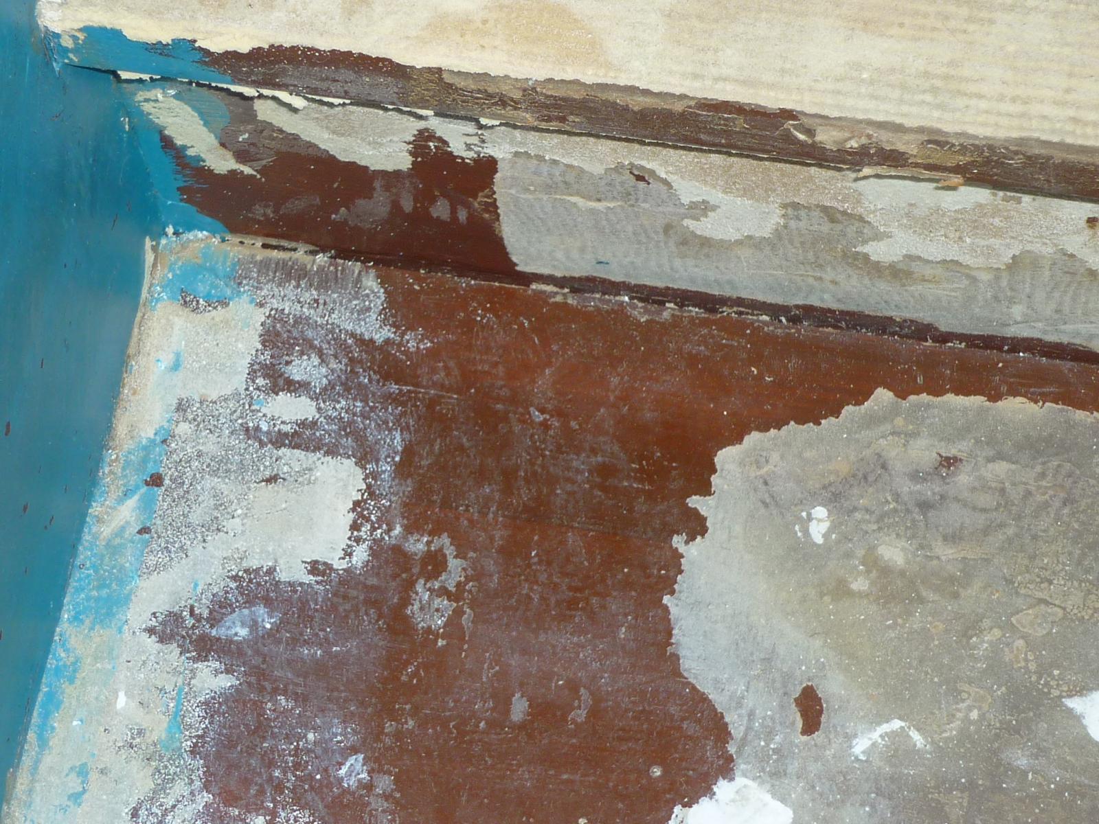 enlever colle moquette sur escalier en bois