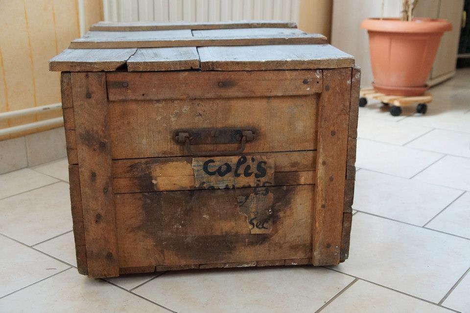 Retaper une malle en bois - Renover malle ancienne ...