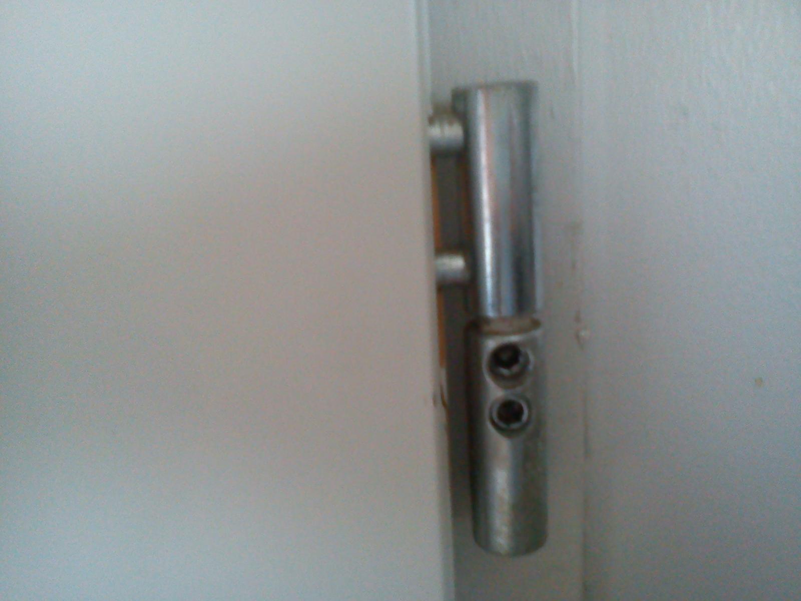 Reglage porte d 39 entr e for Demonter une poignee de porte d entree