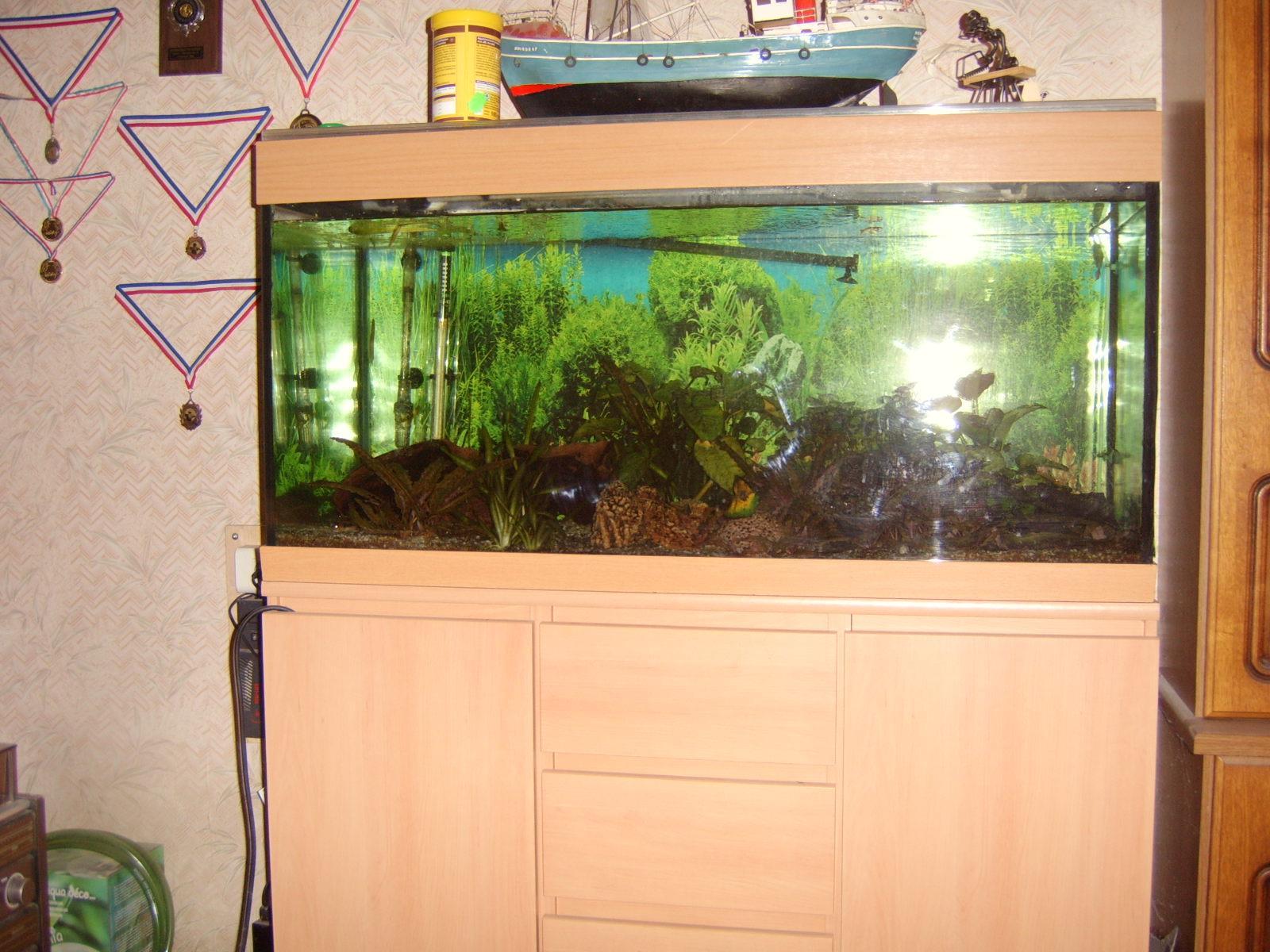 Meuble pour supporter un aquarium de 300kg for Meuble aquarium