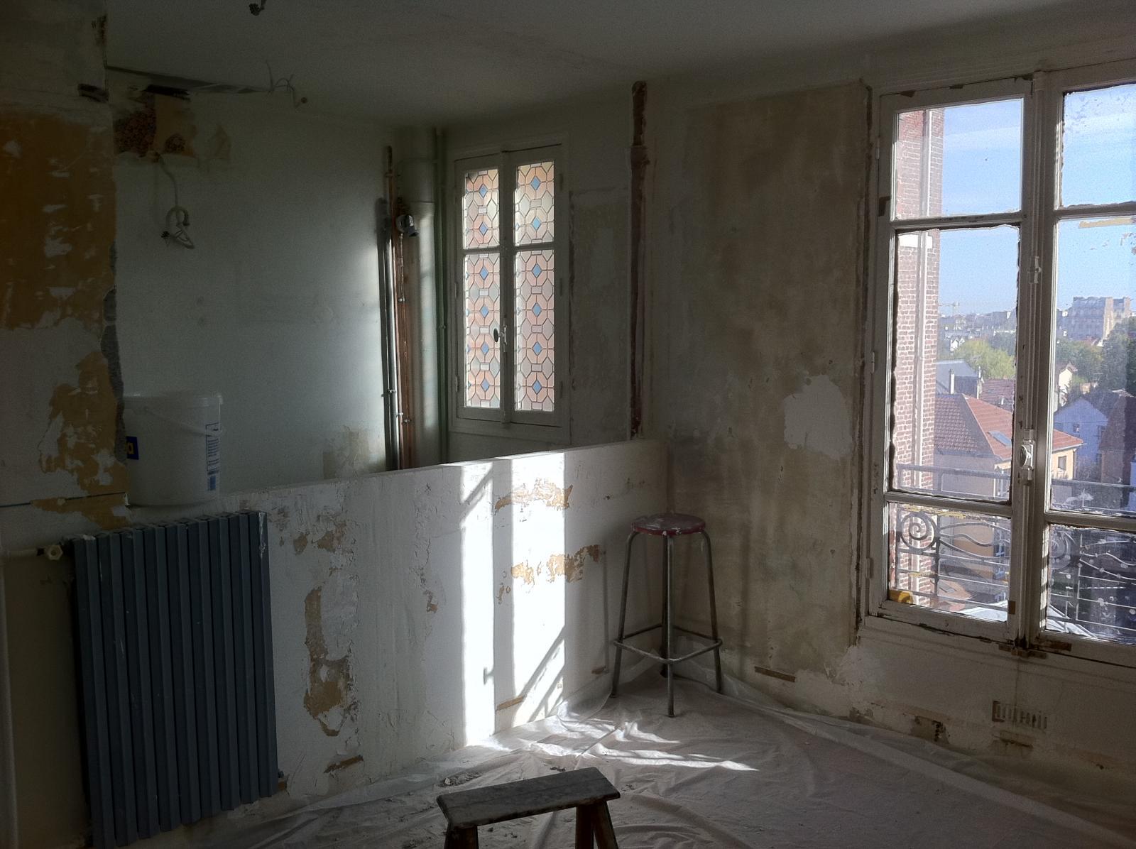 Construire un rangement suspendu en ba13 for Construire un balcon suspendu