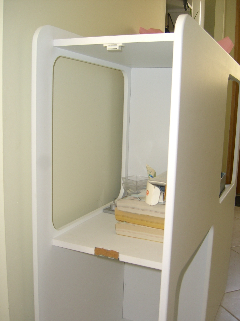 Sos comment installer une porte dans un meuble - Installer une porte dans un couloir ...