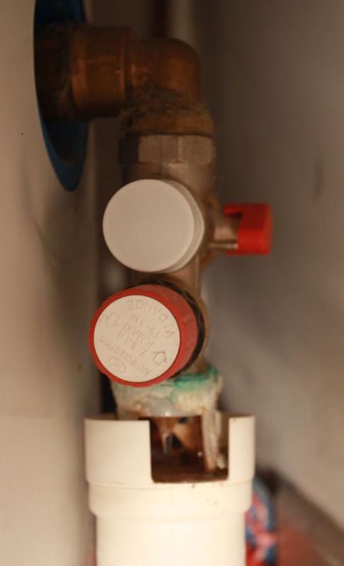 Chauffe eau gros entartrage du groupe de s curit - Changer groupe securite chauffe eau sans vidanger ...