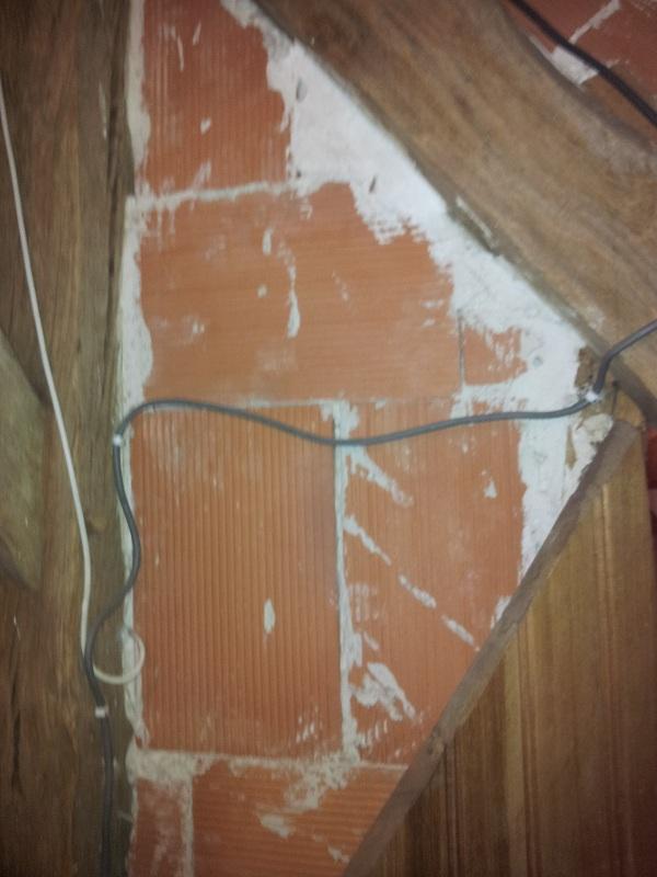 Fissure cloison int rieur par rapport au mur ext rieur for Plafonnage mur exterieur