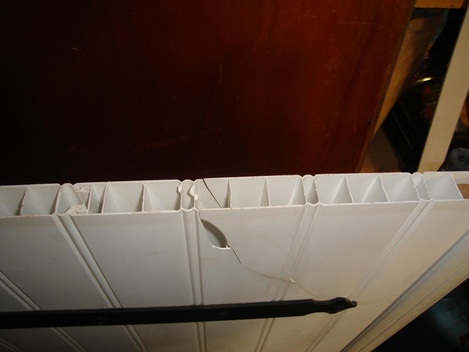 Reparer du pvc cass - Doigt coince dans une porte que faire ...