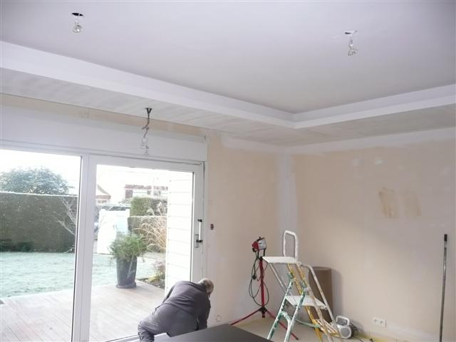 Fixation hotte ilot et faux plafond for Realisation faux plafond decoratif