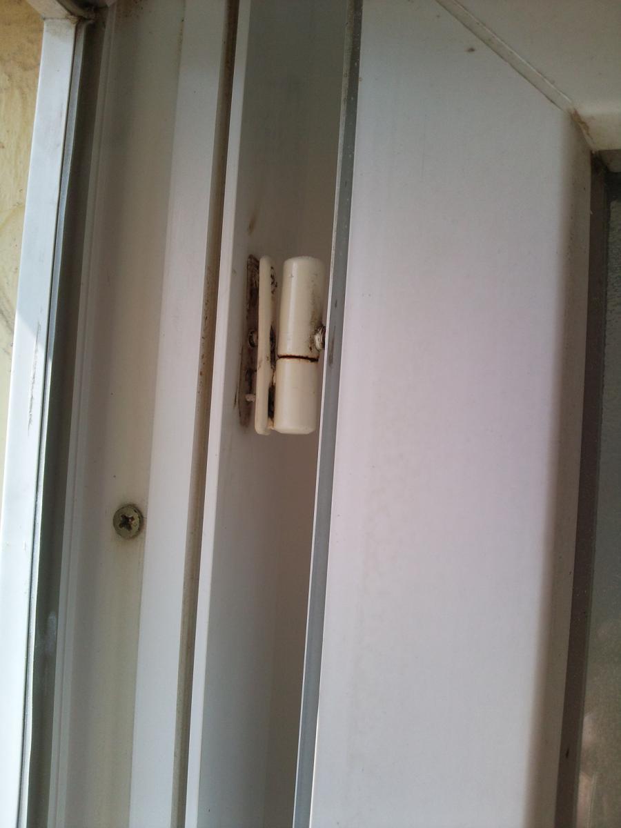 Réparer Gond Fenêtre Pvc