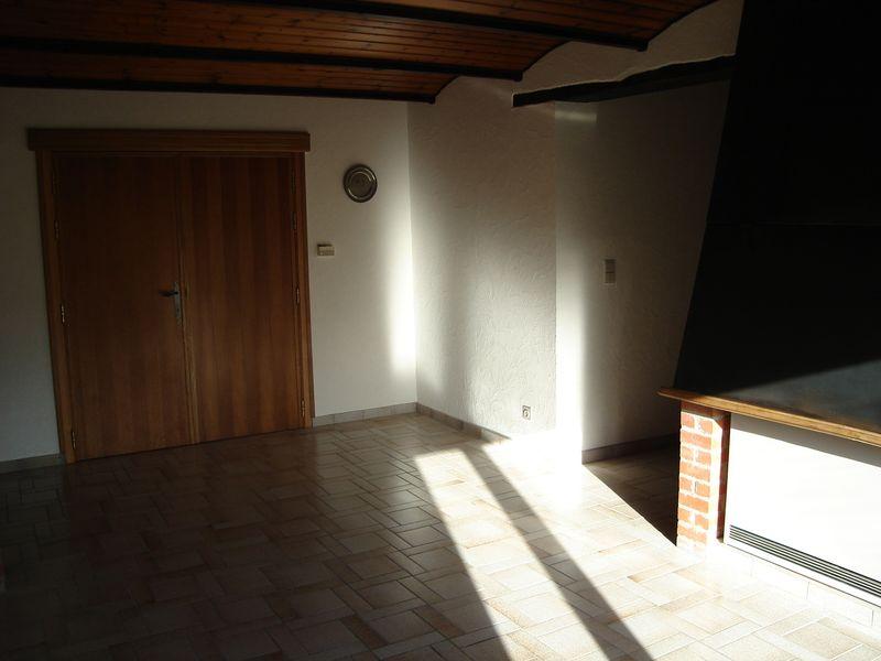 mettre plinthe carrelage sur bas de cadre de porte. Black Bedroom Furniture Sets. Home Design Ideas