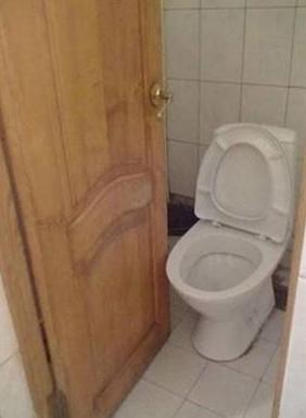 am nagement wc trop petits. Black Bedroom Furniture Sets. Home Design Ideas