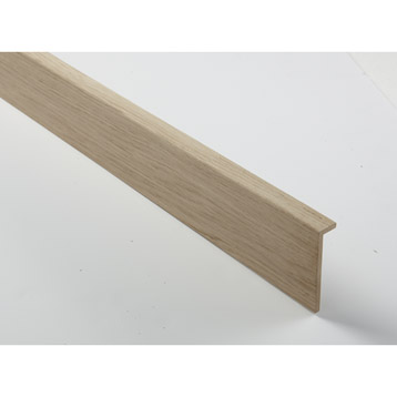 Encastrer des fils passant dans une gaine lectrique for Plinthe en bois sur carrelage