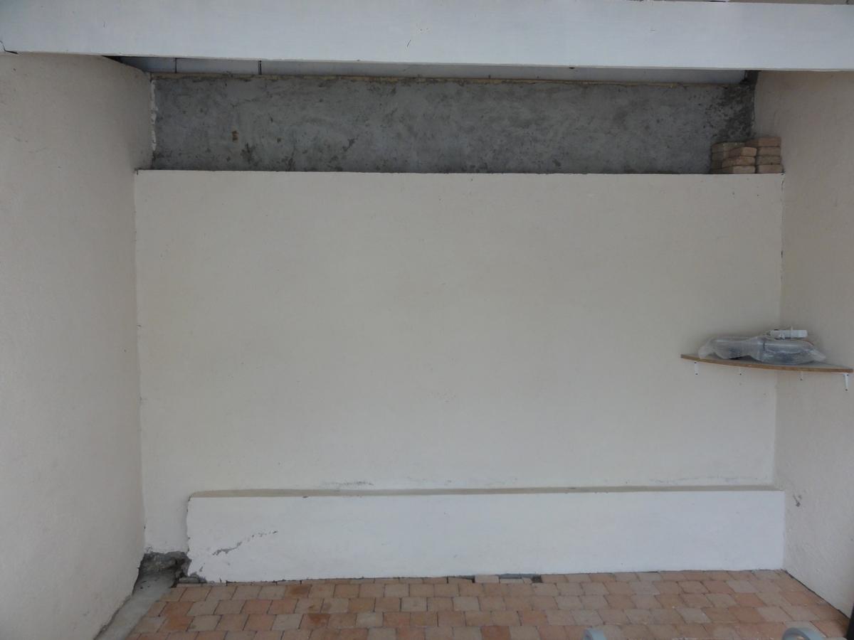 r aliser un placard mural l 39 ext rieur. Black Bedroom Furniture Sets. Home Design Ideas