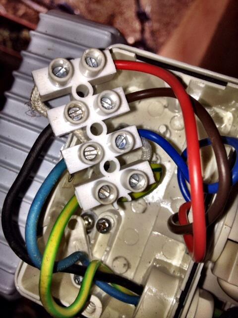 Branchement spot avec capteur for Eclairage exterieur sans branchement